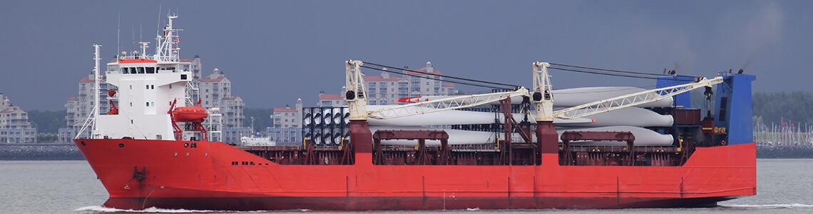 Ship transporting wind turbine blades